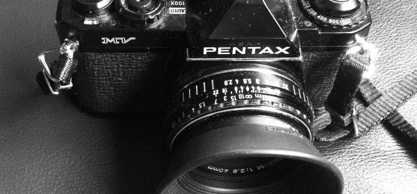 Pentax MV + 40mm Pancake
