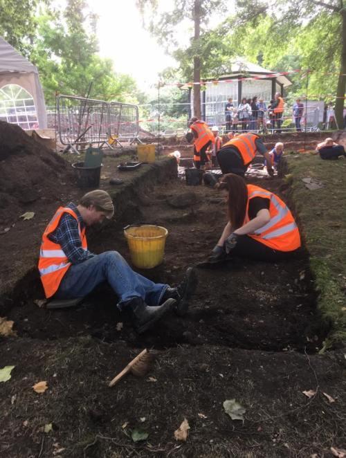 jon digging